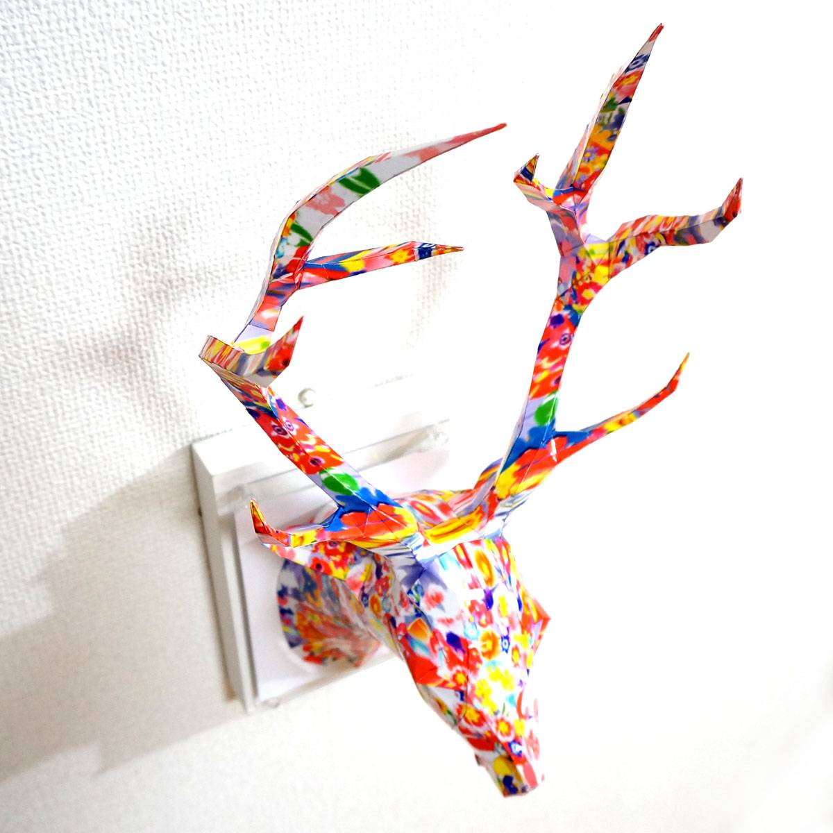 Deer of the colorful flowers ED:6/10