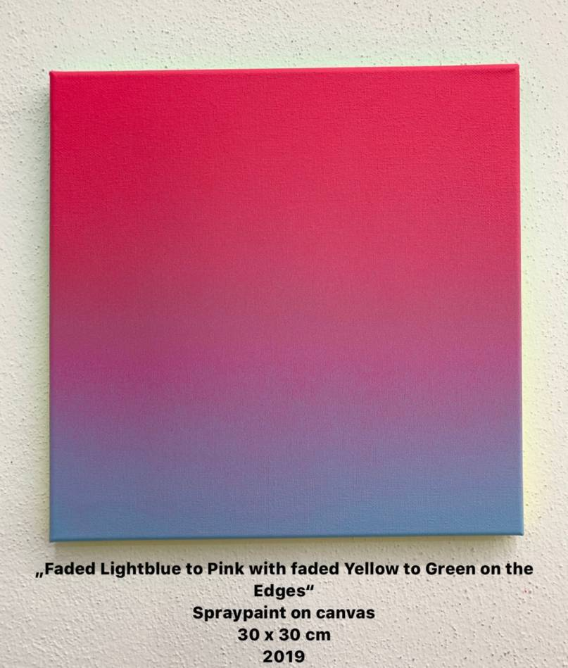 Faded Lightblue to Pink with faded Yellow to Green on the Edges