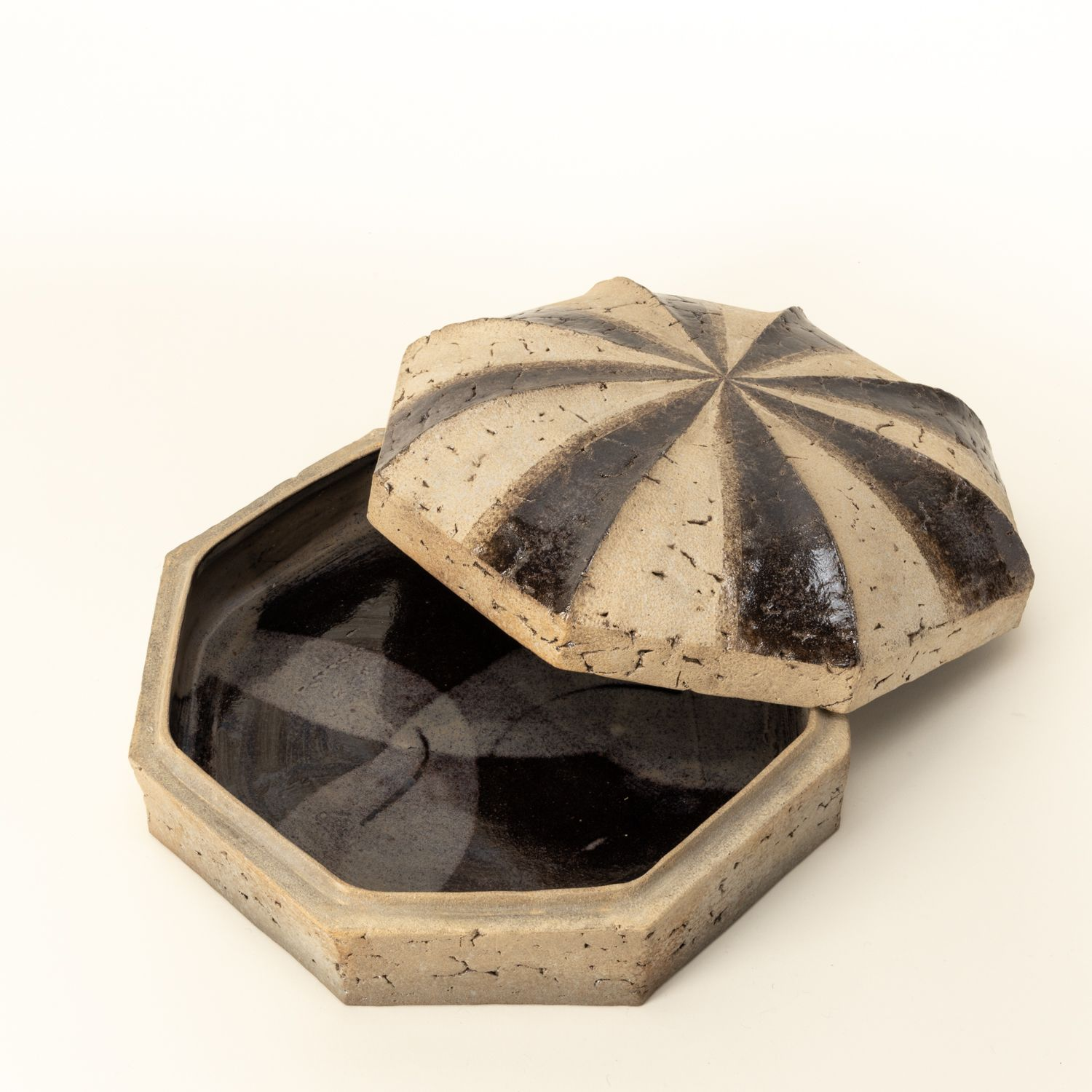 Carbonized octagonal container