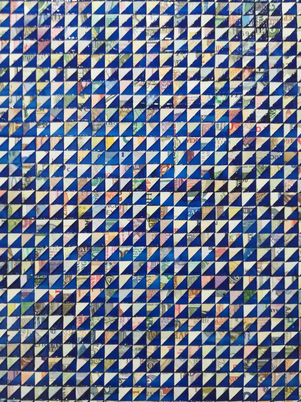 World Automatic Blue Tablet /Pyramid grid repeat