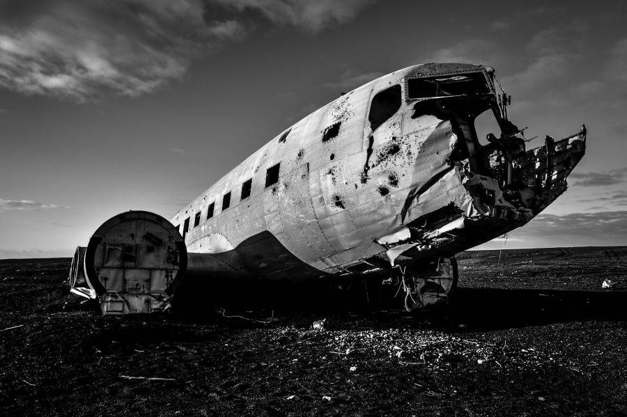 Wrecked plane