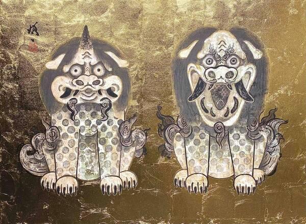 White lions and white komainu (guardian dogs)