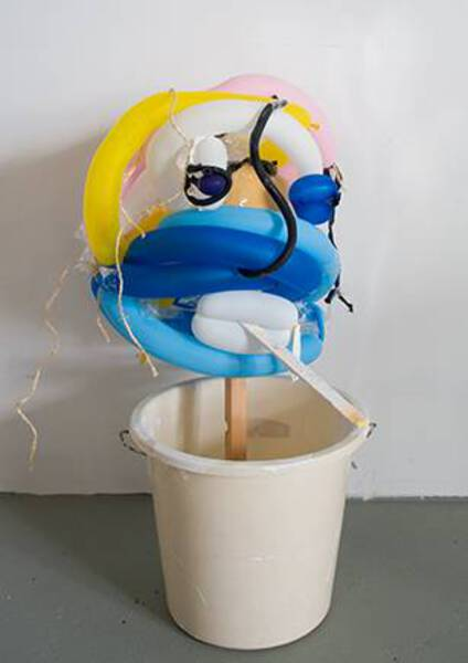 A Crying Woman ~a puff of a balloon before getting damped
