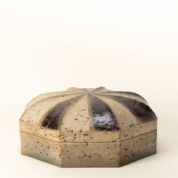 Carbonized octagonal container